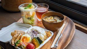 豚肉の生姜焼き&野菜たっぷり麦味噌汁